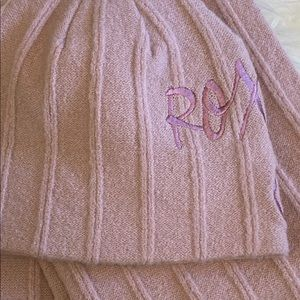Roxy Accessories - Roxy pink scarf and hat